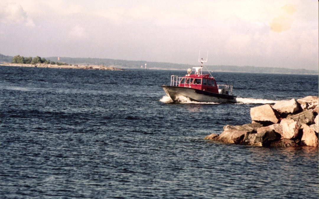 Väylänhoito ja satamaluotsaus